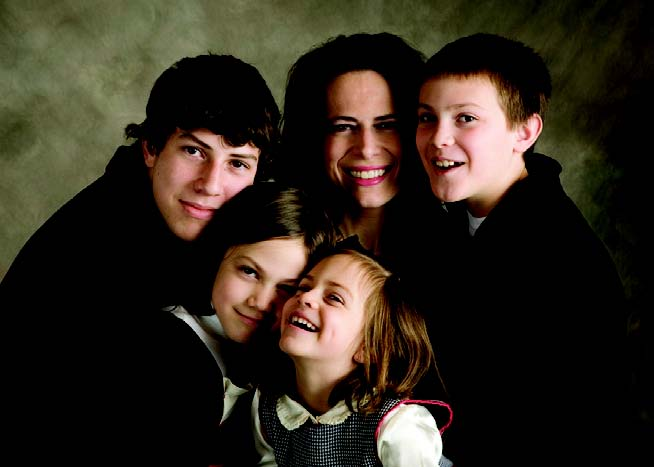 single parenting magazine articles Opinion: why the ranks of america's unmarried moms keep growing.