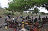 Turkana - worship gathering at riverbed (2)